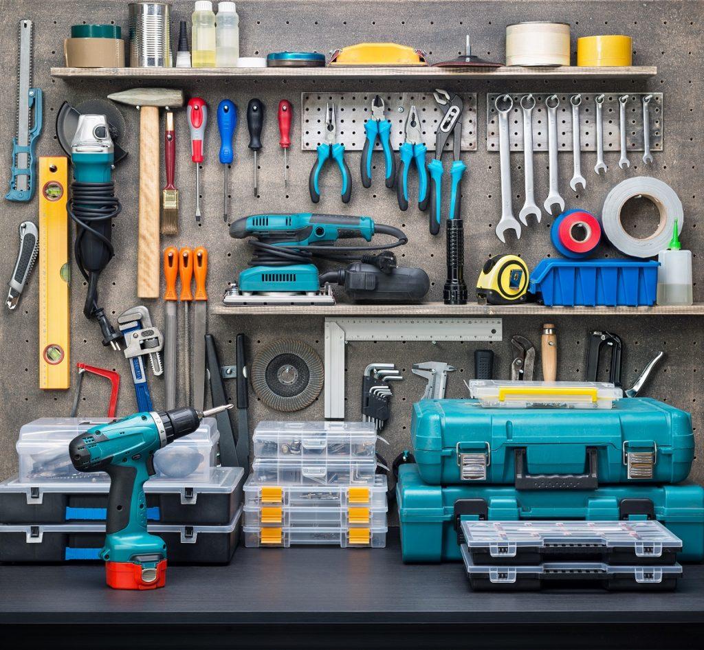 organized car tools