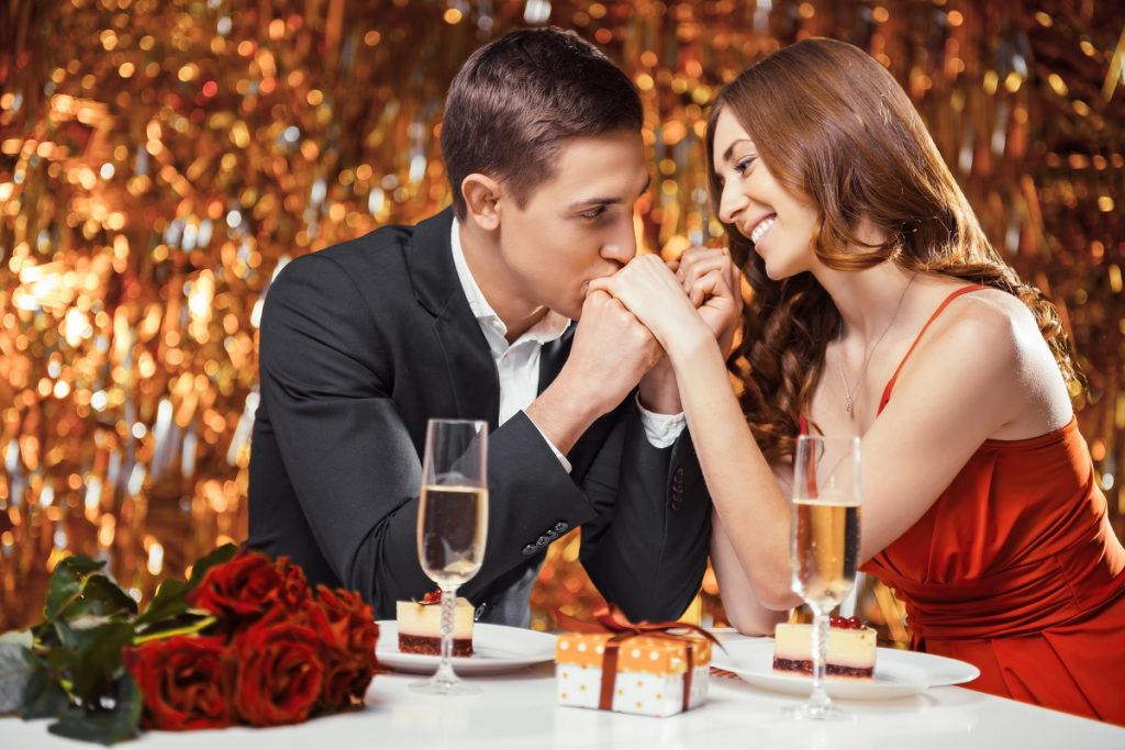 lovers in a romantic dinner date