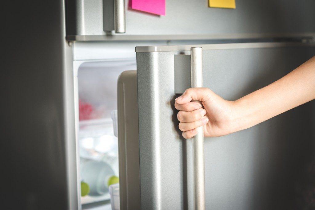 Opening fridge door