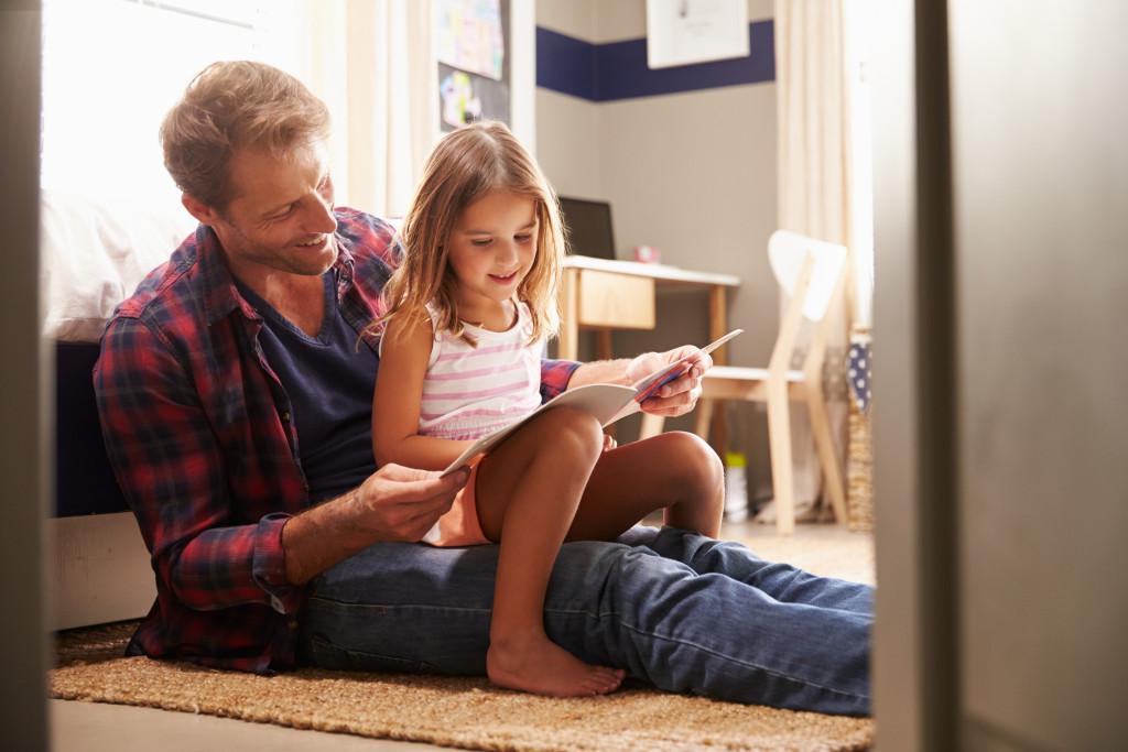 single parent teaching daughter